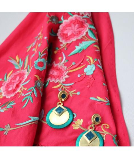 Mantón algodón rojo bordado con flores de colores